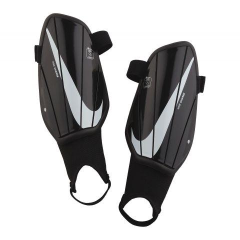 Nike-Charge-Scheenbeschermer-Junior