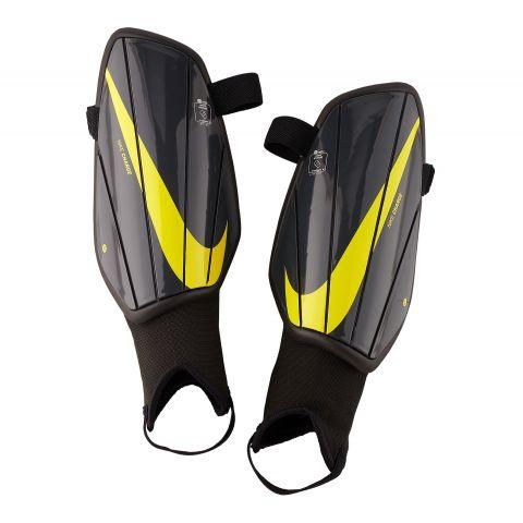 Nike-Charge-Scheenbeschermer-Senior
